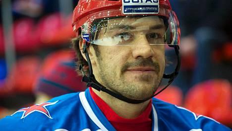 Jevgeni Artjuhin kuvattuna 12. marraskuuta 2014.
