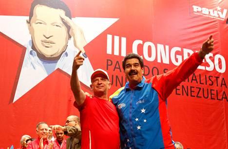 Venezuelan presidentti Nicolás Maduro juhli entisen kenraalin Hugo Carvajalin vapautusta maanantaina Caracasissa. Carvajal pidätettiin viime viikolla Hollantiin kuuluvalla Aruban saarella. Yhdysvallat on syyttänyt Carvajalia yhteyksistä Kolumbian huumekartelleihin.