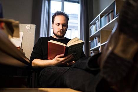 Luova toiminta ei noudata  kaavoja, kirjoittaa Pauli Tapio.