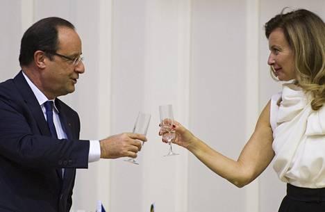 Ranskan presidentti François Hollande entisen puolisonsa Valérie Trierweilerin kanssa viime lokakuussa.