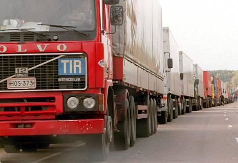 TIR:stä luopuminen saattaa hidastaa merkittävästi rajan ylitystä ja lisätä byrokratiaa.