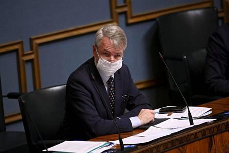 Ulkoministeri Pekka Haavisto eduskunnan täysistunnossa Helsingissä 11. marraskuuta 2020. Istunnossa käytiin valtioneuvoston ulko- ja turvallisuuspoliittisen selonteon lähetekeskustelu.