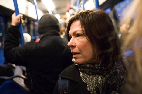 Helsingin kaupunkibulevardien suunnittelussa pitää apulaispormestari Anni Sinnemäen mukaan huomoida yhtäaikaa liikenne ja muu maankäyttö. Valtion liikenneviranomaiset veivät asian oikeuteen, koska katsoivat, ettei Helsinki huomioinut riittävästi niiden kantaa.