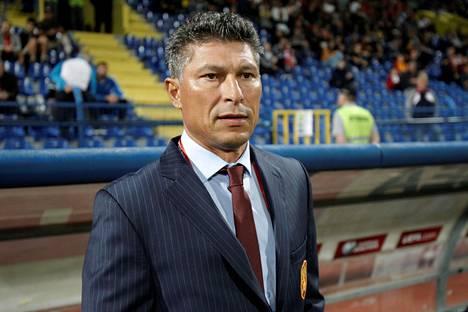 Krasimir Balakov Bulgarian päävalmentajana viime viikon vierasottelussa Montenegroa vastaan.