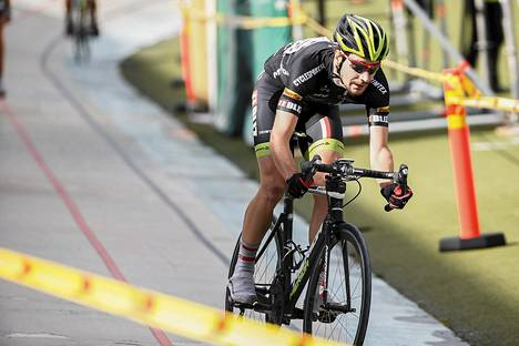 Hollantilainen Yannick Janssen oli Tour de Helsingin nopein.