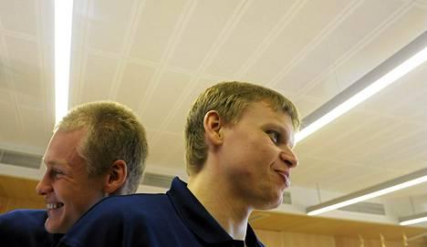 Teemu Rannikko (oik) ja Sasu Salin pelaavat ensi kaudella samassa seurassa,