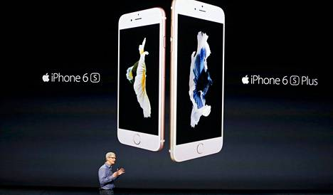 Applen toimitusjohtaja Tim Cook esitteli uusia iPhone-malleja.
