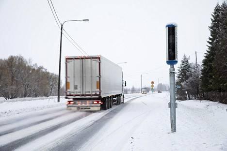 Nopeusvalvontaa E8 -tiellä Torniossa 15 .joulukuuta 2019.