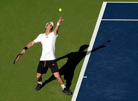 Skotti Andy Murraylla oli varaa takellella syöttönsä kanssa Yhdysvaltojen avoimessa tennisturnauksessa.
