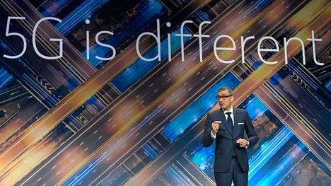Nokian toimitusjohtaja Rajeev Suri puhui viime vuoden helmikuussa Barcelonassa Mobile World Congressissa.