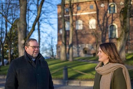 Turun seuraava piispa on joko Jouni Lehikoinen tai Mari Leppänen.