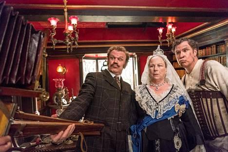 Will Ferrell (oik.) on Sherlock Holmes, ja John C. Reilly on tohtori Watson. Pam Ferris esittää kuningatar Viktoriaa.