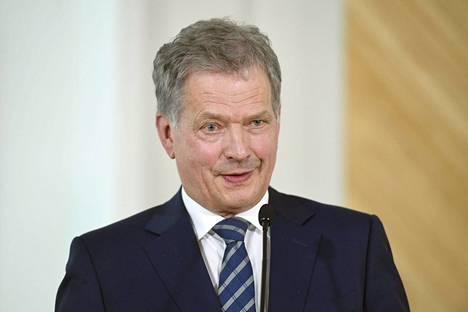 Tasavallan presidentti Sauli Niinistö kertoi maanantaina, että hän hakee jatkokautta presidenttinä. Taakseen hän haluaa valitsijayhdistyksen.