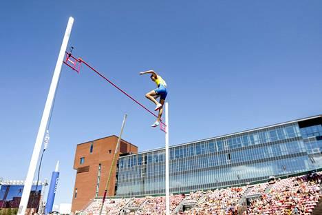 Ruotsin seiväsihme Armand Duplantis voitti nuorten MM-kultaa näytöstyyliin.
