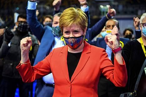 Skotlannin pääministeri Nicola Sturgeon oli jo ennen virallista tulosta varma itsenäisyyttä puoltavien puolueiden voitosta.
