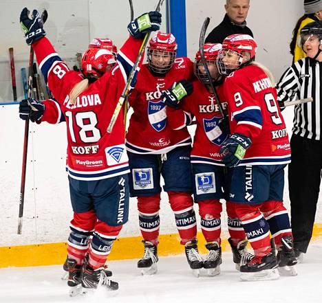 HIFK eteni naisten välieriin suoraan kahdella voitolla. Kuva KalPa-ottelusta 22. marraskuuta.