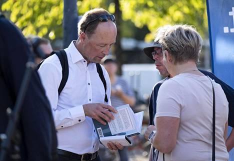 Perussuomalaisten puheenjohtaja Jussi Halla-aho puolueen eduskuntaryhmän kesäkokouksessa Joensuussa.