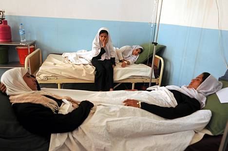 Oudot myrkytysoireet veivät afganistanilaistyttöjä sairaalan vuoteelle Charikarissa jo vuonna 2009.