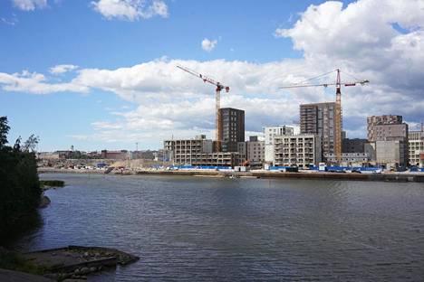 Taloja rakenteilla Helsingin Sompasaaressa heinäkuussa 2019.