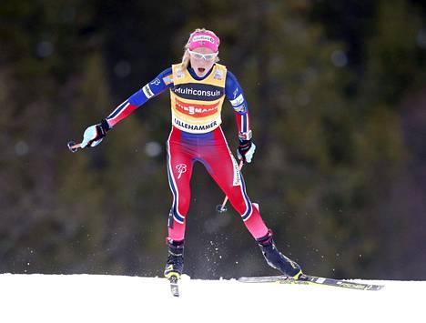 Therese Johaug oli täysin omassa luokassaan Davosissa. Kuva Lillehammerista 5. joulukuuta.