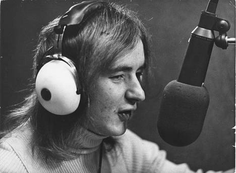 Rauli Badding Somerjoki studiossa vuonna 1974.