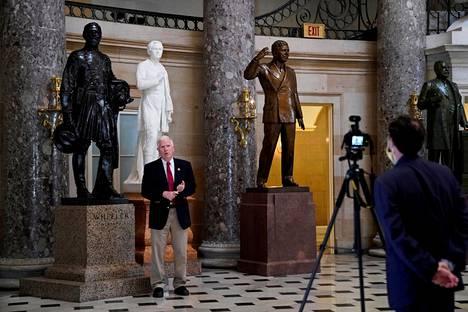 Alabamalainen kongressiedustaja Mo Brooks oli keskiviikon kokouksen alla presidentti Donald Trumpin tärkein liittolainen. Hän lupasi ennalta haastaa monen eri osavaltion vaalitulokset.