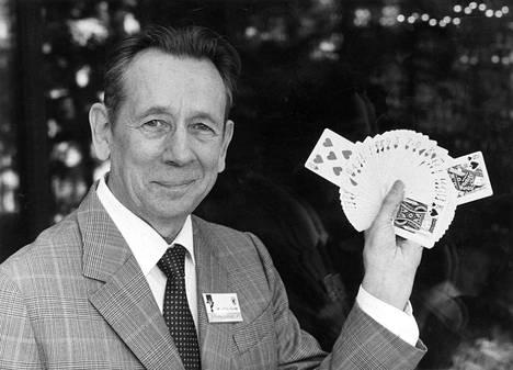 Taikuri Solmu Mäkelä (1922–2018)