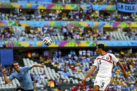 Celso Borges esiintyi edukseen jalkapallon MM-kisoissa (oik.)