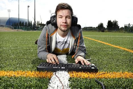 Aleksi Jalli on alansa julkkis: hänellä on Twitterissä ja Facebookissa kummassakin yli 26 000 seuraajaa ja fanit pysäyttävät usein kadulla.