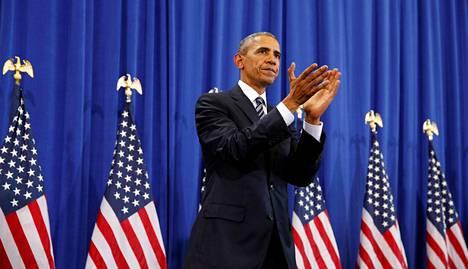 Presidentti Barack Obama puhui MacDillin tukikohdassa tiistaina 6. joulukuuta.