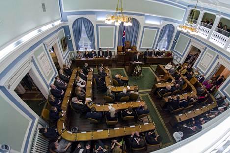 Islannin parlamentti eli Allting oli koolla joulukuun 6. päivä. Alltingissa on 63 jäsentä.