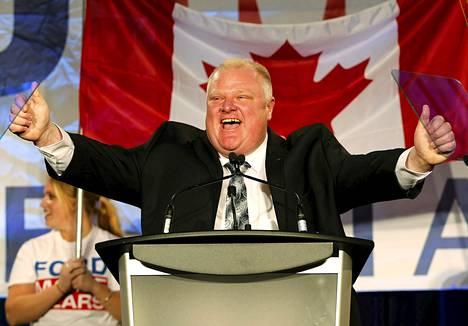 Toronton pormestari Rob Ford tuuletti kampanjatilaisuudessa Torontossa 17. huhtikuuta.