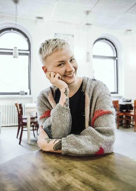 Sirkka on toimittaja Anni Saastamoisen esikoisromaani.