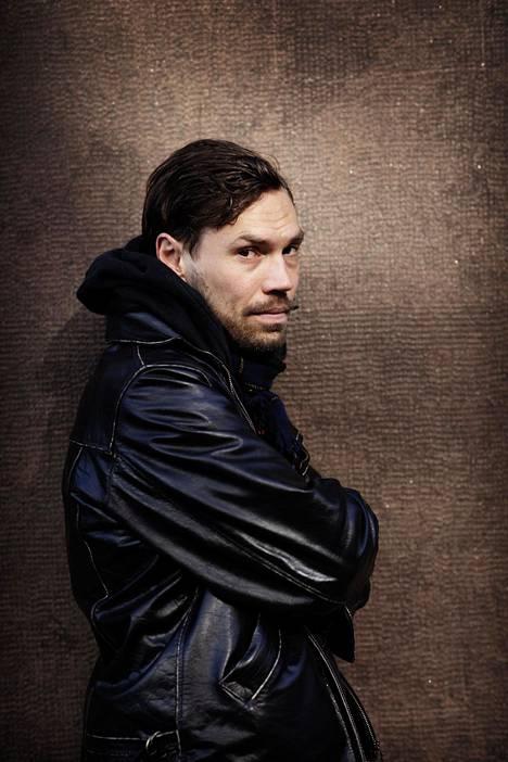 Ohjaaja Jussi Nikkilä on aiemmin ohjannut Mozartin Don Giovannin Kansallisoopperalle.