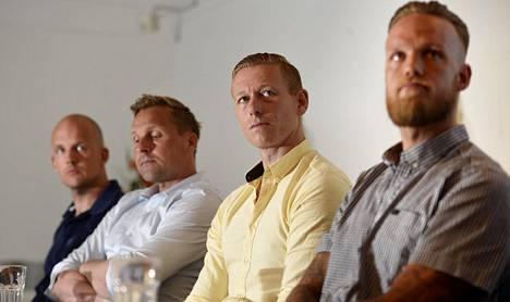 C Moren aiantuntijanelikko Petri Pasanen (vas.), Antti Niemi, Mikael Forssell ja Mika Väyrynen olivat mukana C Moren mediatilaisuudessa keskiviikkona.