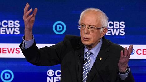 Vermontin osavaltion senaattori Bernie Sanders kuvattuna demokraattien televisioväittelyssä Etelä-Carolinassa.