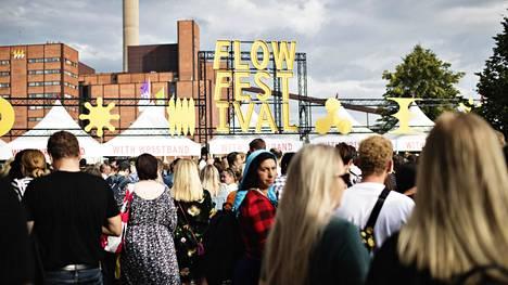 Kansainvälisten suurtapahtumien järjestäminen vielä tänä kesänä on erittäin haastavaa, kertoo Flow-festivaalin toimitusjohtaja Suvi Kallio. Kuva Flow-festivaaleilta vuodelta 2019.