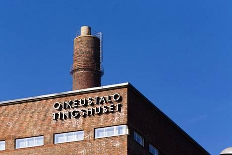Helsingin hovioikeus tuomitsi miehen raiskauksesta vankeuteen.