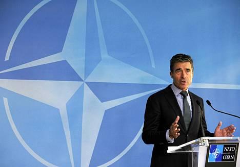 Naton pääsihteeri Anders Fogh Rasmunssen puhui lehdistötilaisuudessa tiistaina.