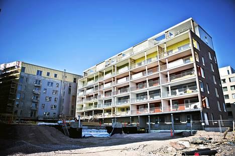 Helsingin rakennusvalvontavirasto puuttui asunto-osakeyhtiö Helsingin Saukonrannan rakentamiseen.