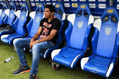 Bastian kärki Brandao ennen ystävyysottelua 2. elokuuta.