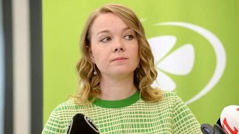 Katri Kulmuni erosi perjantaina valtiovarainministerin tehtävästä. Maanantaina hänen tilalleen nimettiin Matti Vanhanen.