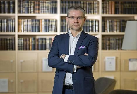Julkisoikeuden professori Janne Salminen
