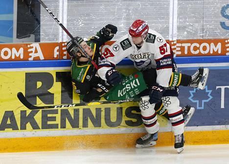 Taklaustilanne liigaottelussa Ilves-HIFK tammikuussa Hakametsän hallissa Tampereella.