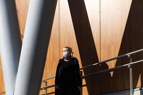 Aalto-yliopiston tilastotieteen professori Pauliina Ilmonen temmattiin maaliskuussa mallintamaan sairaalapaikkojen riittävyyttä.
