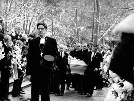 Paavo Nurmi haudattiin valtiollisin menoin lokakuussa 1973.