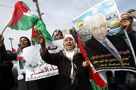 Palestiinalaiset iloitsivat sovinnosta keskiviikkona Gazassa.