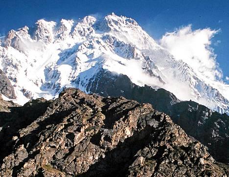 Himalajaan kuuluva Nanga Parbat on maailman yhdeksänneksi korkein vuori.