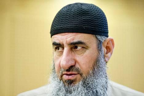 Mullah Krekar oikeudessa Oslossa 14. elokuuta.