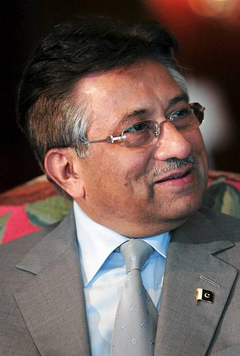 Pervez Musharraf sai tiistaina elinikäisen vaalikiellon. Kuva on vuodelta 2007.